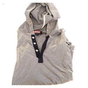 Vineyard Vines pullover hoodie
